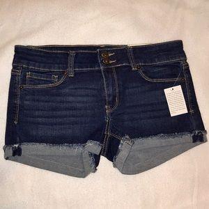 Mudd Juniors Double Button Shortie Shorts (Size 7)